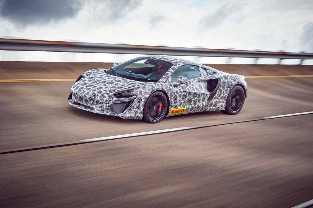 McLaren's first series production hybrid