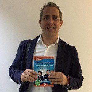 Aritz Urresti ya tiene su GuíaBurros para autónomos