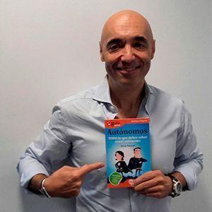 El escritor Cipri Quintas ya tiene su GuíaBurros para autónomos