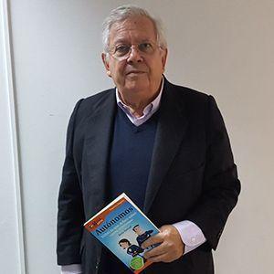 Fernando Jáuregui ya tiene su GuíaBurros para autónomos