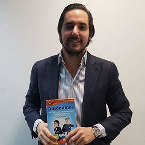 Hugo Arévalo ya tiene su GuíaBurros para autónomos