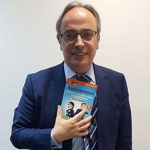 Alfredo Urdaci ya tiene su GuíaBurros para autónomos