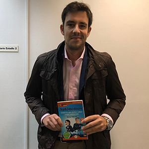Adrián Heredia ya tiene su GuíaBurros para autónomos