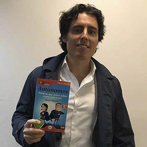 Luis Martín ya tiene su GuíaBurros para autónomos