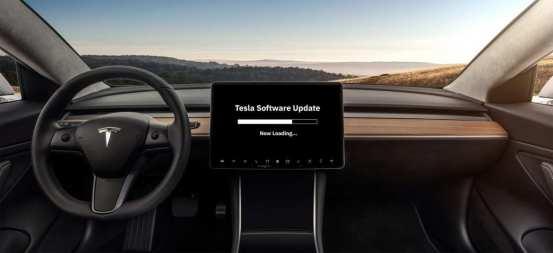 Η Elon Musk μας προετοιμάζει για την επερχόμενη ενημέρωση του Tesla