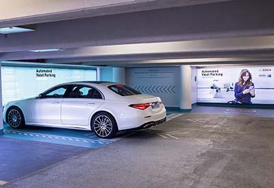 El aeropuerto de Stuttgart se prepara para el aparcamiento sin conductor