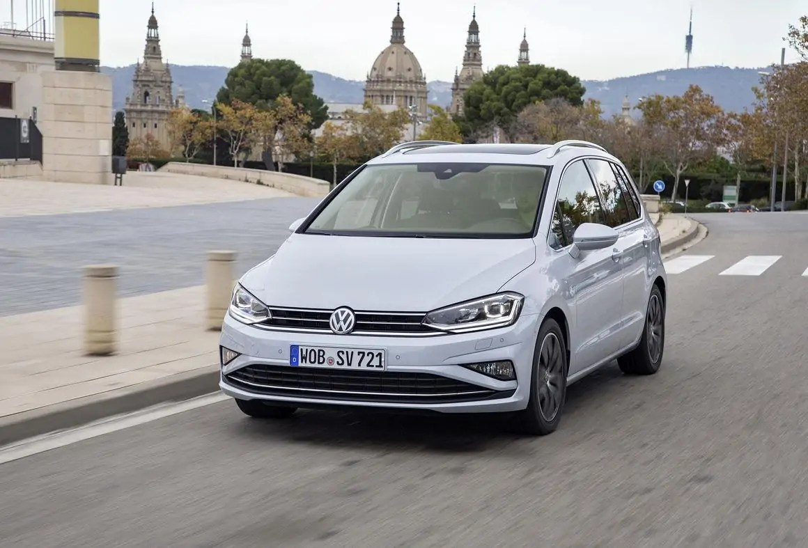 Nuova Volkswagen Golf 8 Sportsvan, l'auto che non vedremo mai