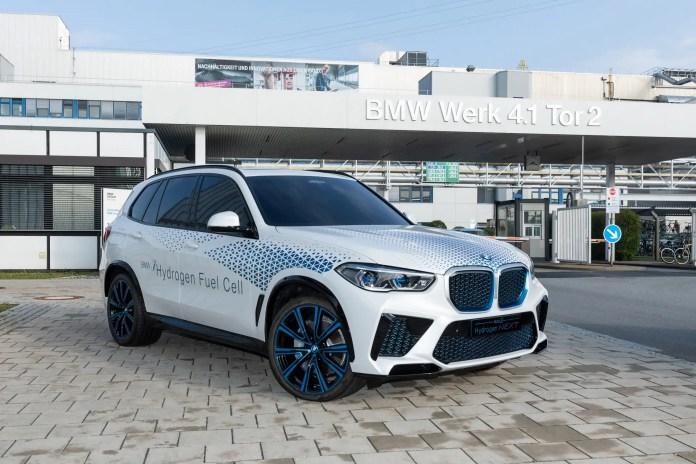 Nuova BMW X5 2022, 375 CV a Idrogeno