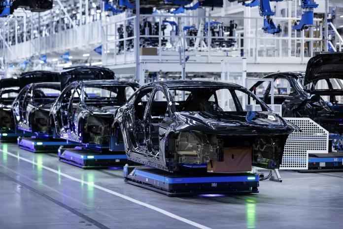 La crisi dei Chip costa 210 miliardi all'Automotive