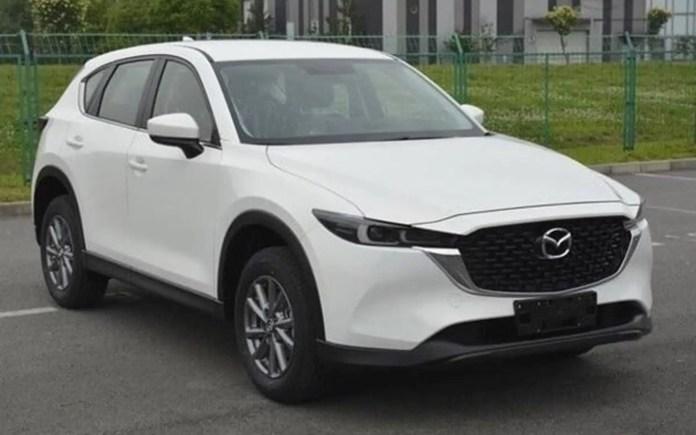 Nuova Mazda CX-5 2023, il restyling nelle foto rubate