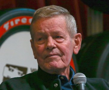 Bobby Unser, Three-time Indy 500 Winner, Dead At 87 – AutoRacing1.com
