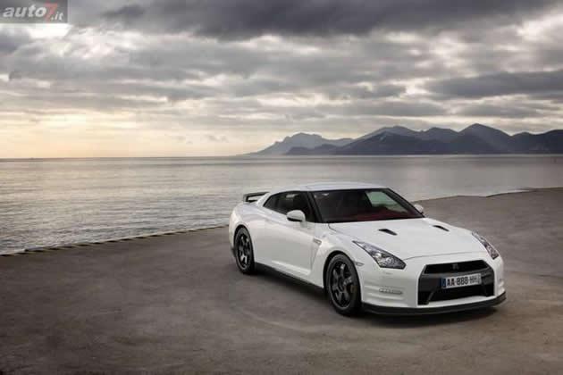 nissan-gt-r-egoist-2011-38 Nissan: per il futuro punta su GT-R e Infiniti