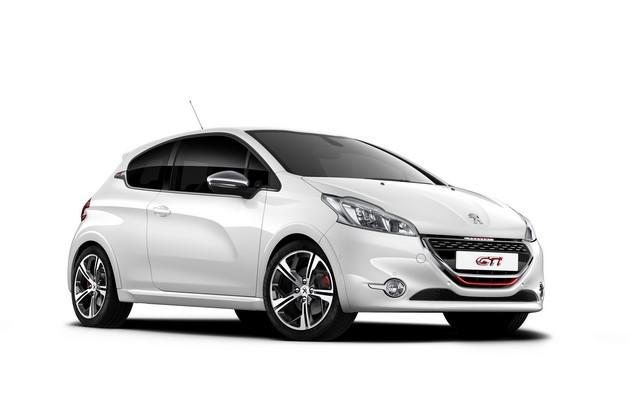 peugeot-208-xy-208-gti-raffinate-seduzioni-208gti-1208cgi005 Peugeot 208 Gti, novità estetiche e prestazioni