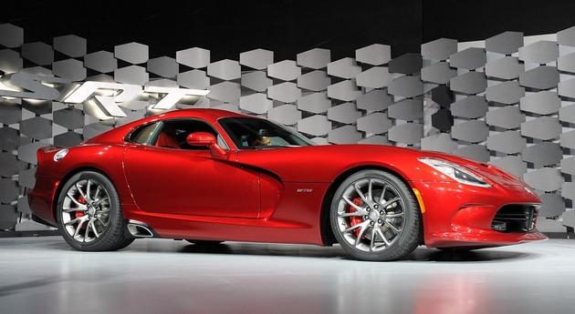 2013-Viper-SRT-versione-speciale SRT Viper: prestazioni e motore al top