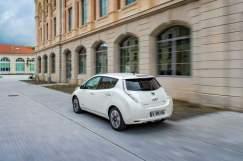 138572_1_5 Auto elettriche: aumenta l'autonomia di Nissan Leaf 2016