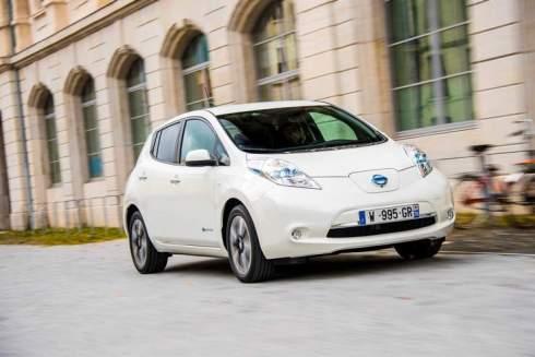 138587_1_5 Auto elettriche: aumenta l'autonomia di Nissan Leaf 2016