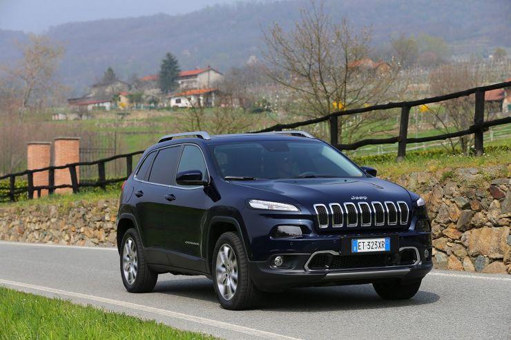 140407_Cherokee_Limited_11 8 SUV Premium di medie dimensioni