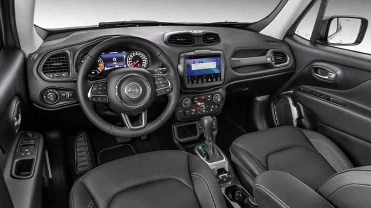 Nuova-Jeep-Renegade-interni Nuova Renegade: il nuovo gioiello di casa Jeep