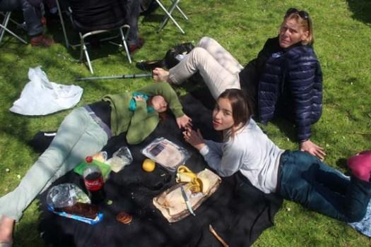 ...Sauf pour moi et les filles, nous c'était sandwiches et fruits.