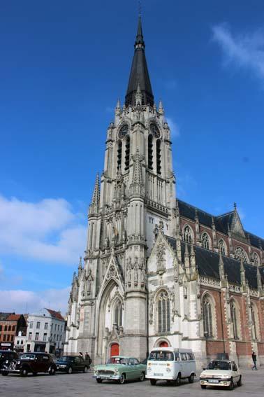 Direction l'église Saint Christophe.