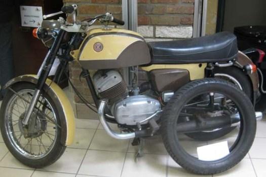 CZ 250 moteur Jawa (1974)
