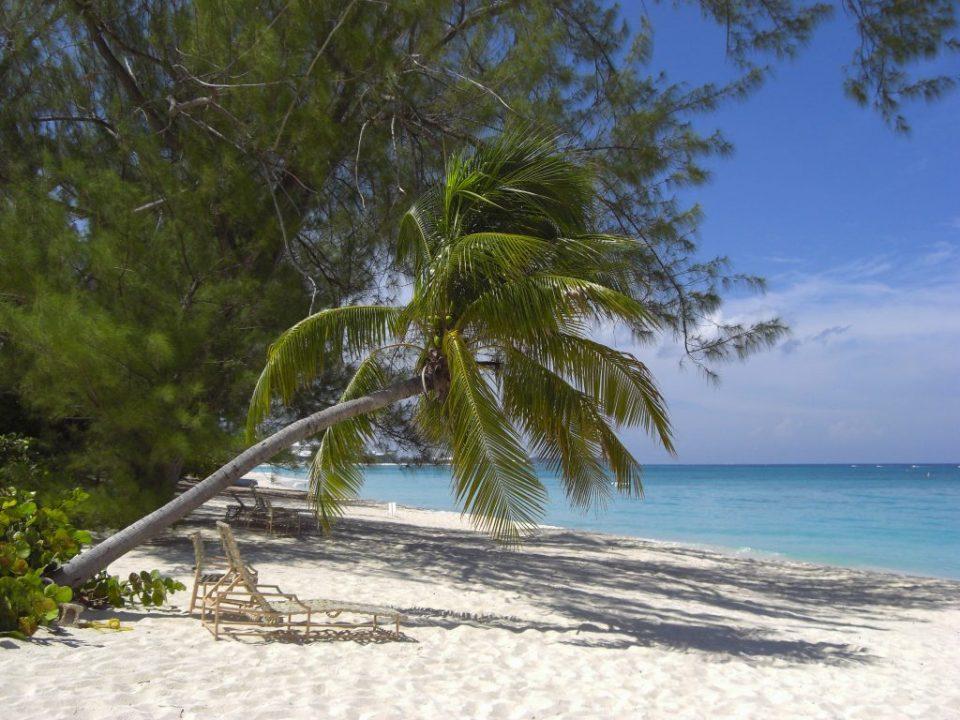 playa_de_gran_caiman-islas_caiman01
