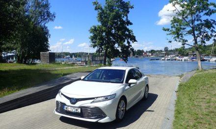 Toyota Camry – Luksus bez Lexusa