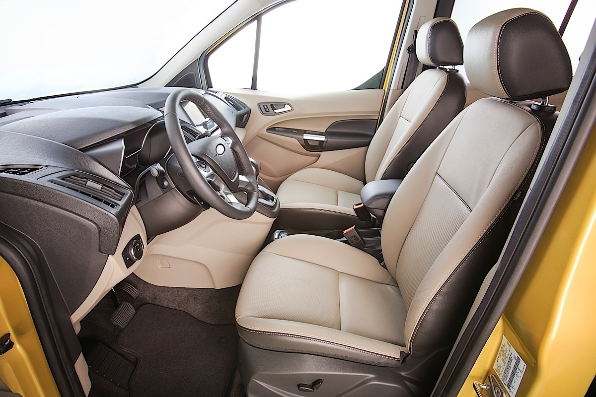 Ford Transit Connect Wagon, front seats.