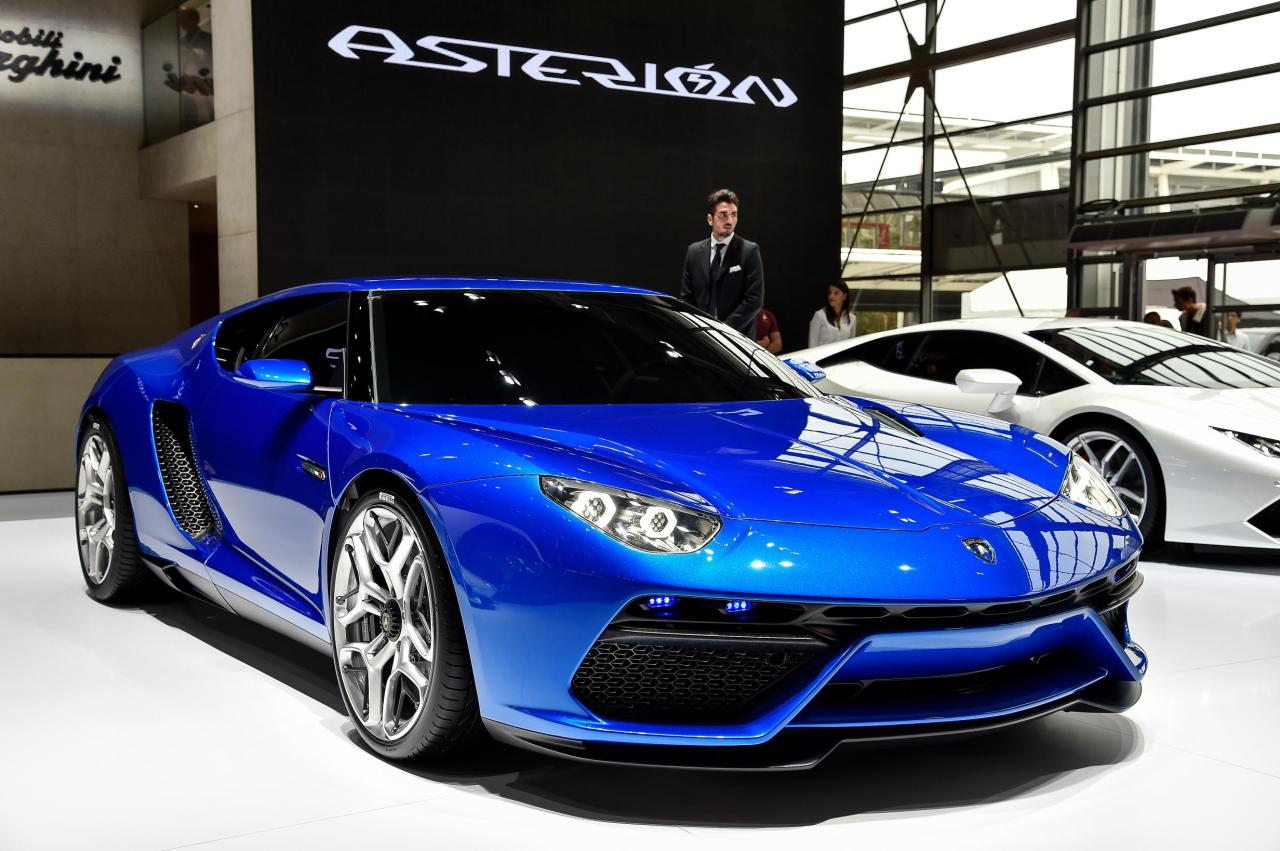 Lamborghini Asterion att he Paris Show. This stunning hybrid can do 0-100km in 3 secs.