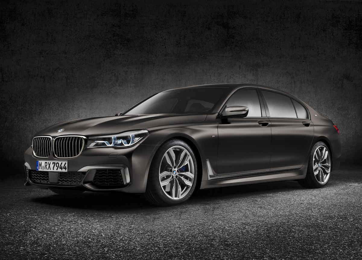 2017 BMW M760i xDRIVE Picture 1