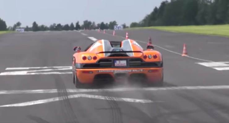 Watch this Koenigsegg CCX's incredible acceleration