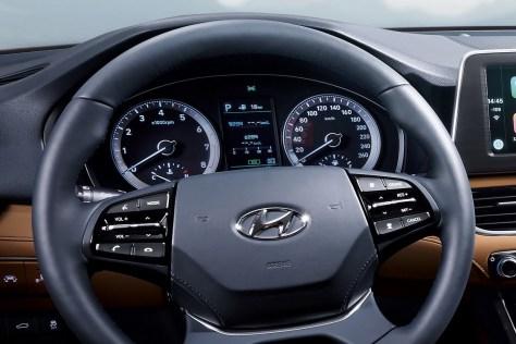 2017 Hyundai Azera-02
