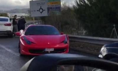 Neymar bate sua Ferrari 458