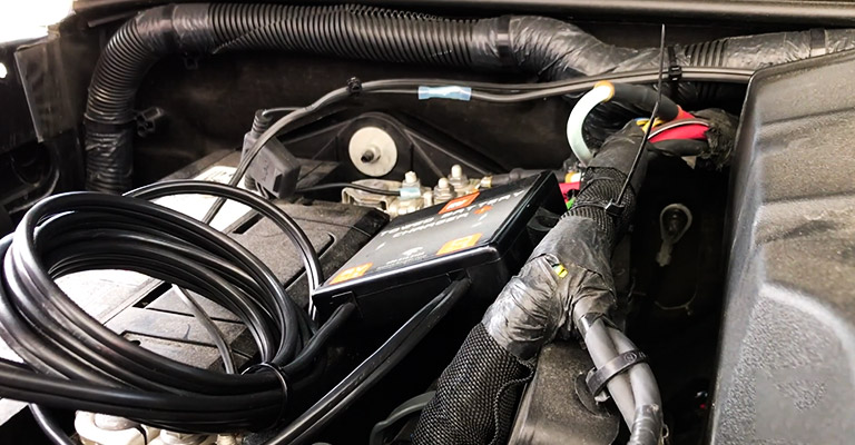How Does a Towed Car Battery Charge Line Work