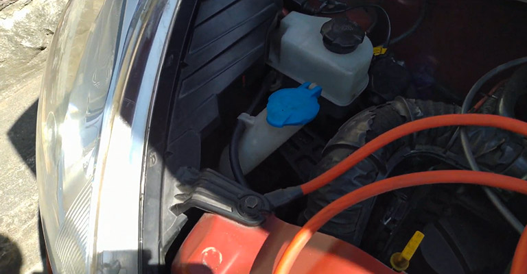 How to Drain Windshield Wiper Fluid FI