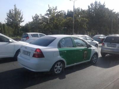 Автомобиль Бюро принудительного исполнения при Генральной прокуратуре Узбекистана в Ташкентской области