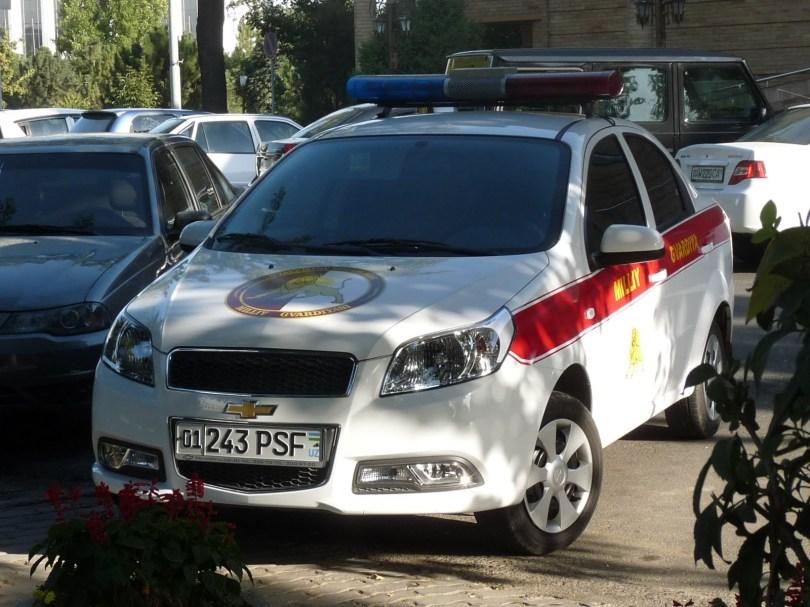 Автомобиль национальной гвардии Узбекистана с номерами PSF