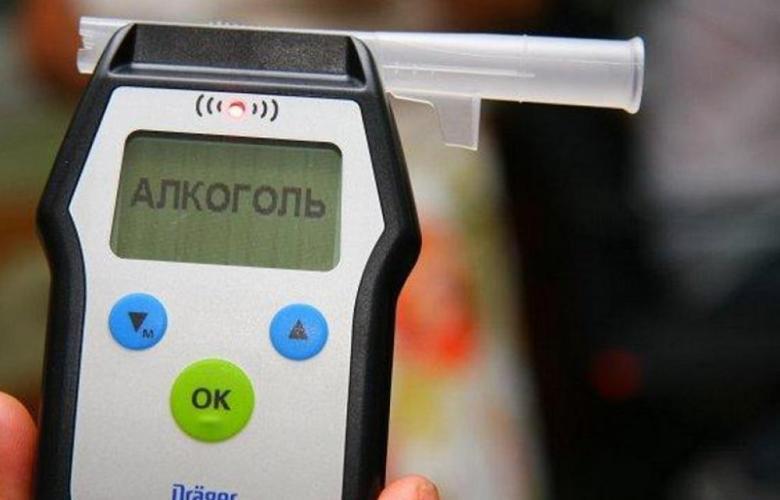 Прибор для экспресс-тестирования на алкогольное опьянение - алкотестер