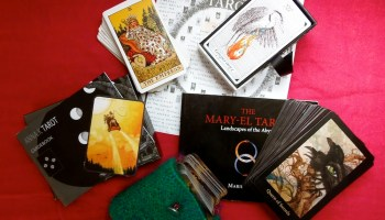 Fool's Journey: Get to Know Your New Tarot Deck with the