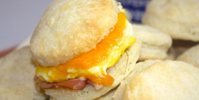 Wake-N-Bake_Breakfast_Sandwiches-700x352