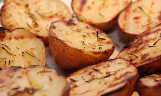 recipe-how-to-make-cannabis-infused-herb-roasted-potatoes