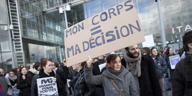 FRANCE-SPAIN-RIGHTS-ABORTION-POLITICS-DEMO