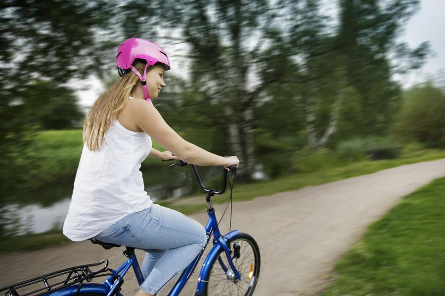 Pyöräile turvallisesti kaupungissa ja maanteillä
