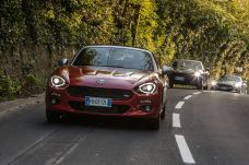 170424_Fiat_124_Spider_sweeps_France_04