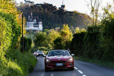 170424_Fiat_124_Spider_sweeps_France_05