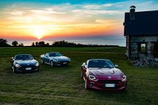 170424_Fiat_124_Spider_sweeps_France_32