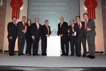 Kenworth Mexicana reconoce a sus distribuidores