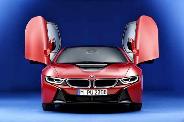 Optimized-P90209055_highRes_the-new-bmw-i8-proto