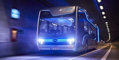 Mercedes-Benz revoluciona el transporte de pasajeros