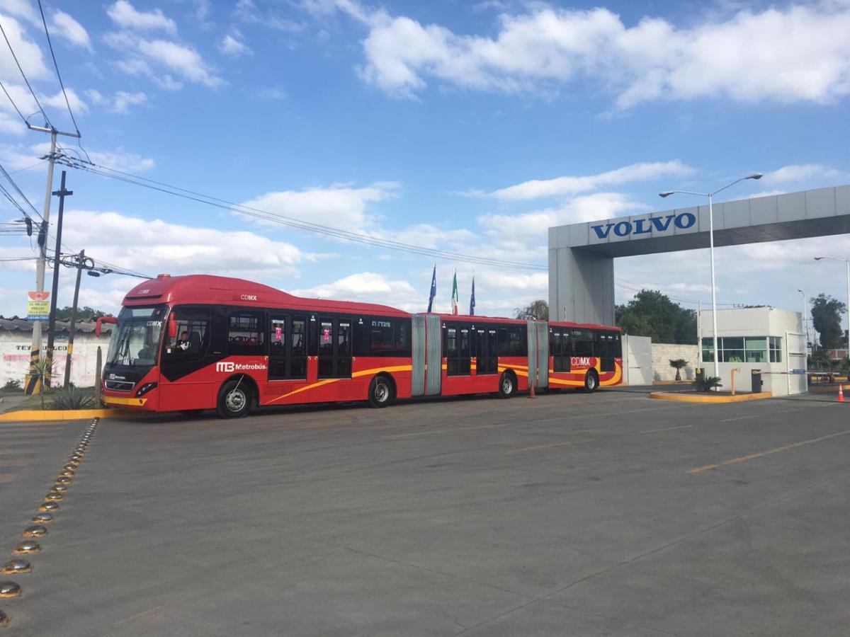 Incorpora CISA biarticulados Volvo para atender demanda en L1
